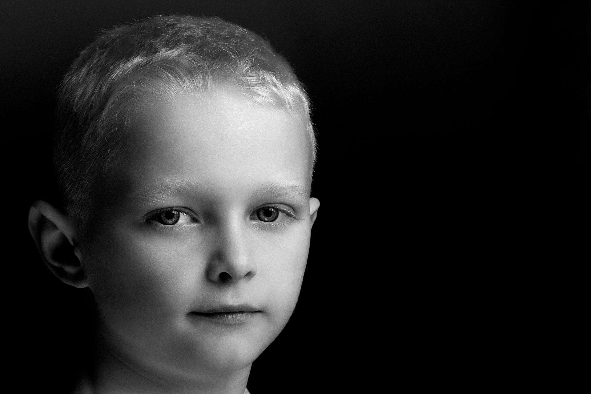 Monochrome portraits here at fourTwographs Northwest England